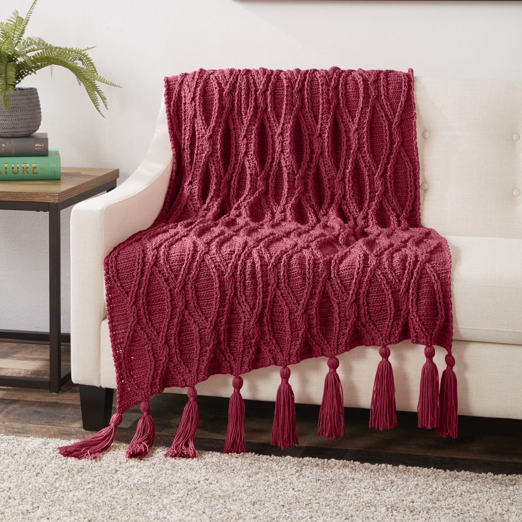 Free Crochet Pattern for a Cables Blanket