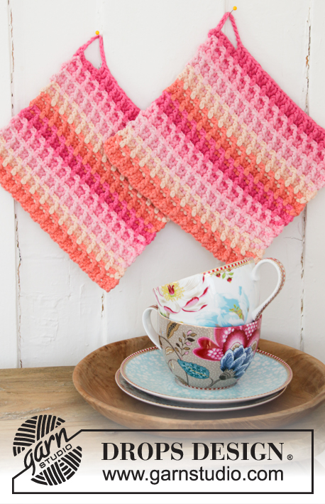 Free Crochet Pattern for a Waffle Rainbow Dishcloth