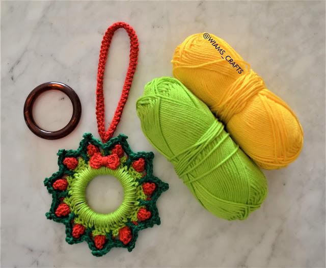 Christmas Wreath Ornament free crochet pattern