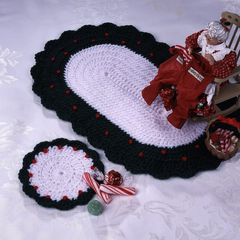 Country Christmas crochet oval and coaster pattern