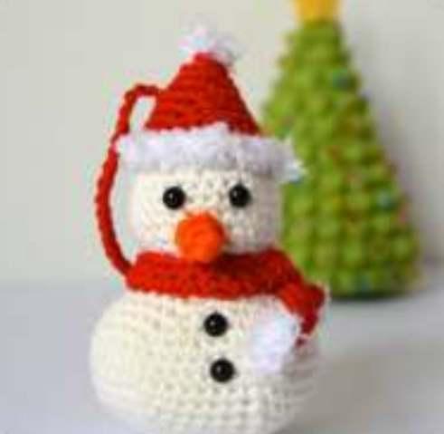 Crochet Christmas snowman pattern