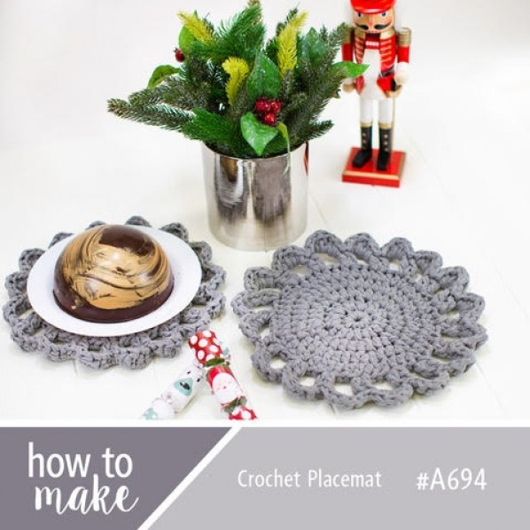 Crochet Placemat for Christmas pattern