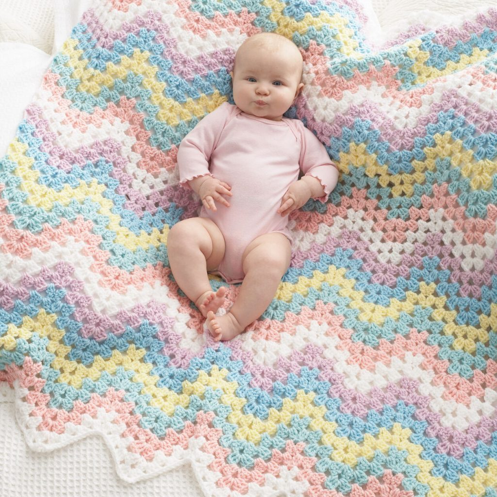 Crochet this zig zag blanket for babies pattern