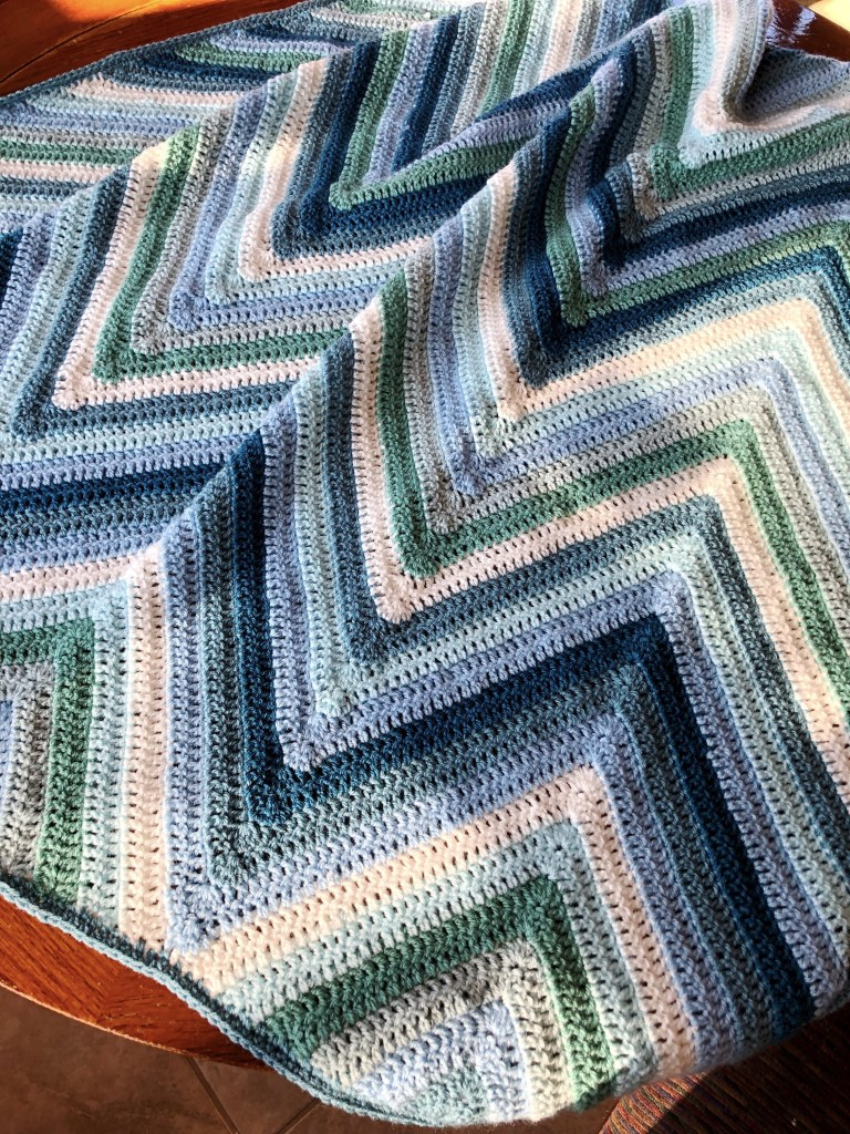 Deep chevron crochet baby blanket pattern