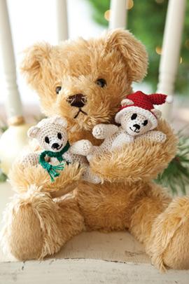 Free Christmas Crochet Pattern for Itty Bitty Teddies