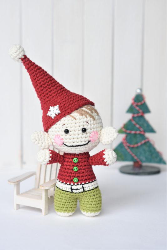 Free Christmas elf amigurumi pattern