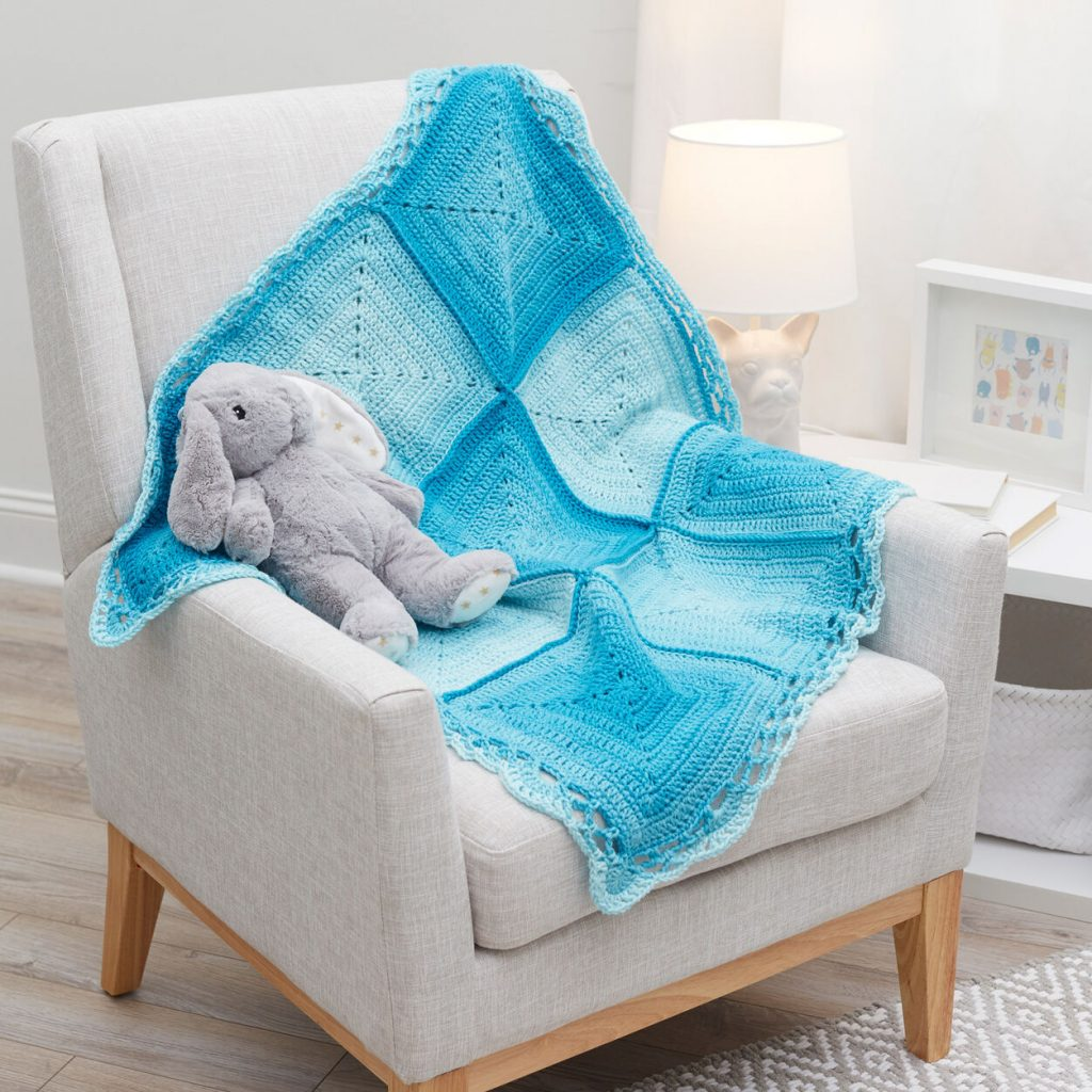 Free blanket crochet pattern for baby with solid squares