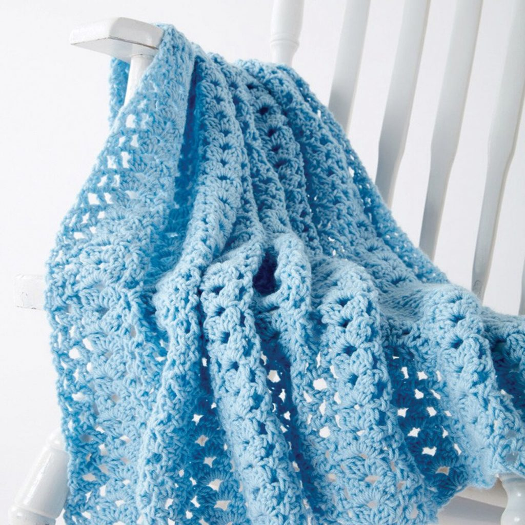 Free crochet cluster waves blanket pattern