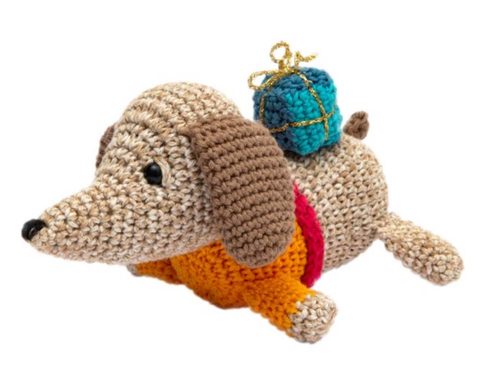 Free crochet dog amigurumi pattern with gift