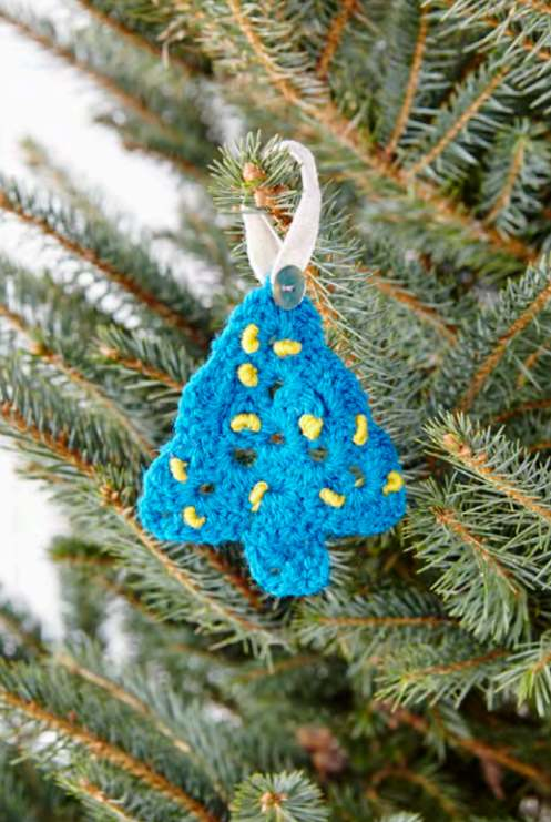 Free crochet pattern for a Christmas tree ornament