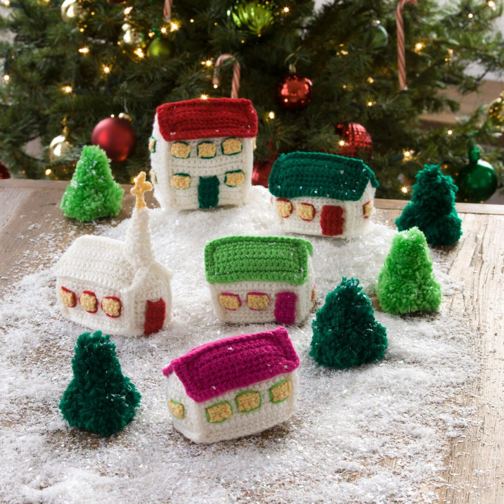 Free crochet pattern for a Christmas village