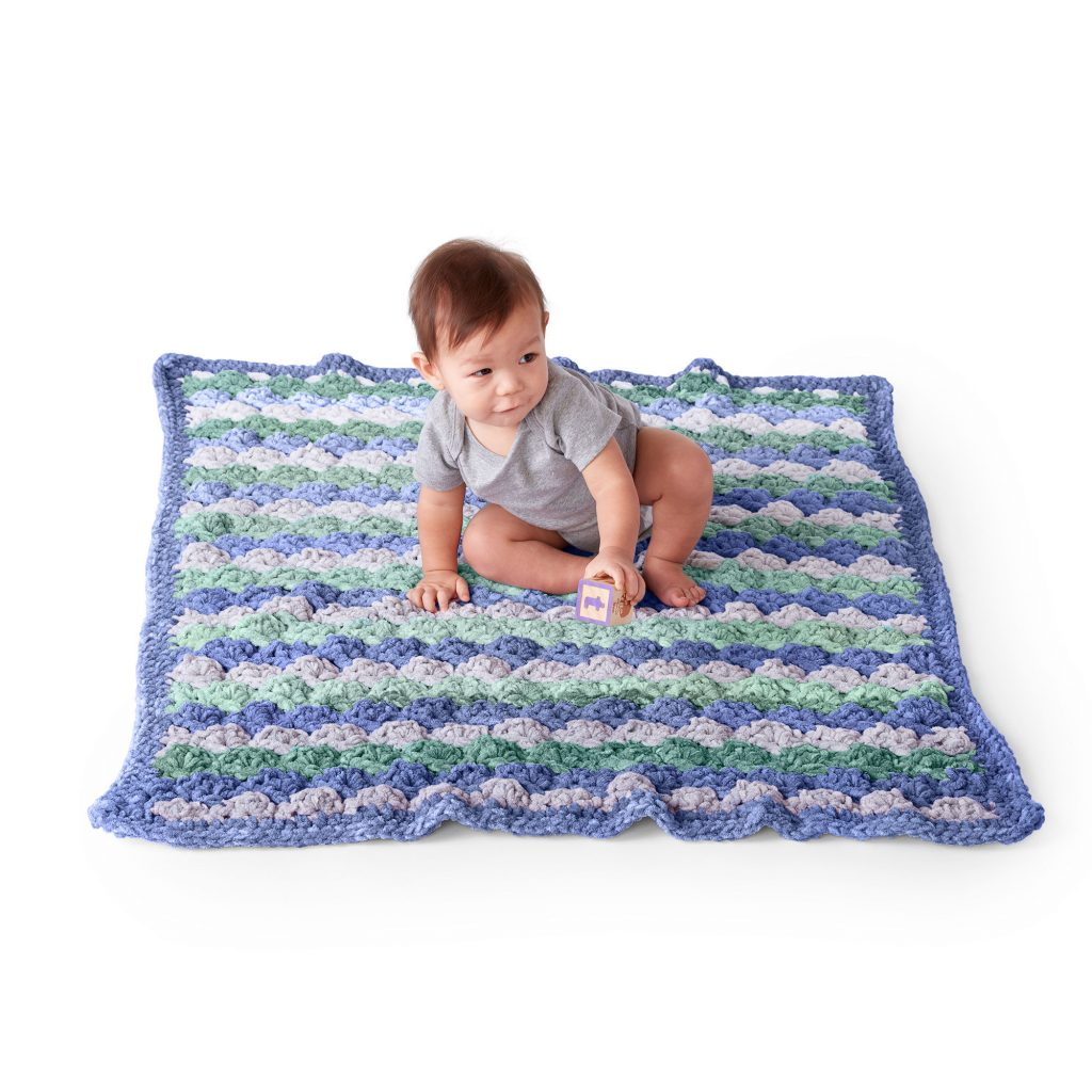 Free crochet pattern for a baby fan stitch blanket