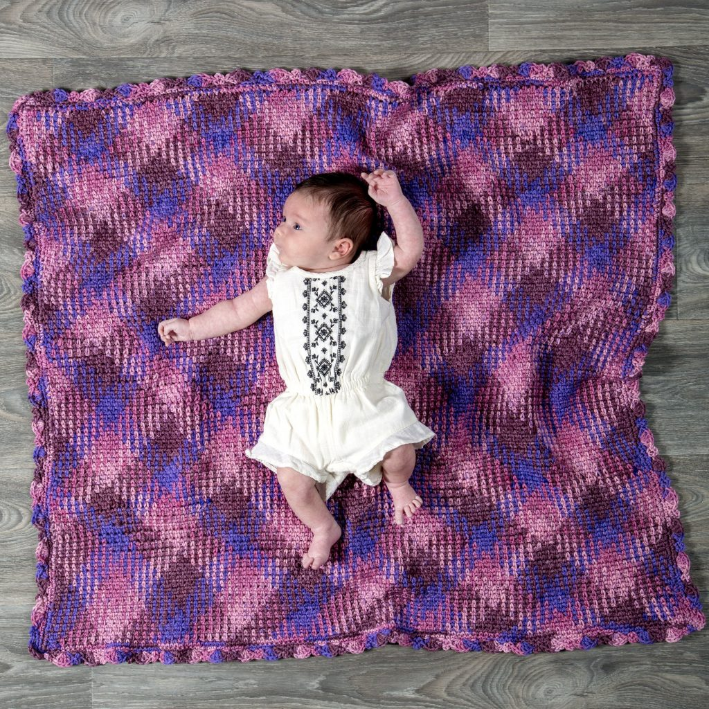 Free crochet pattern for a check baby blanket