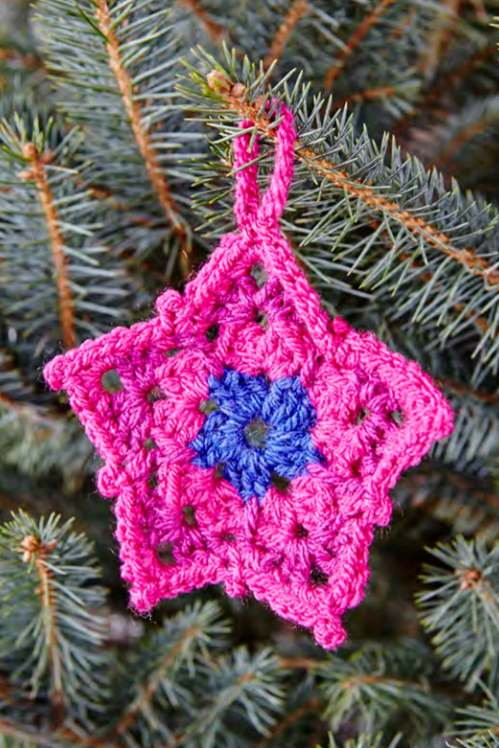 Free crochet pattern for a star ornament
