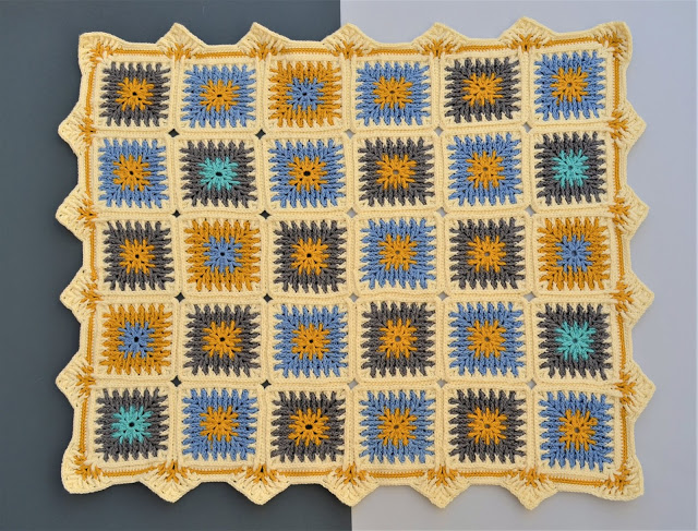 Tiny Royal Crochet Baby Blanket Pattern