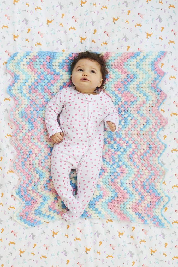 Winsome baby crochet blanket pattern