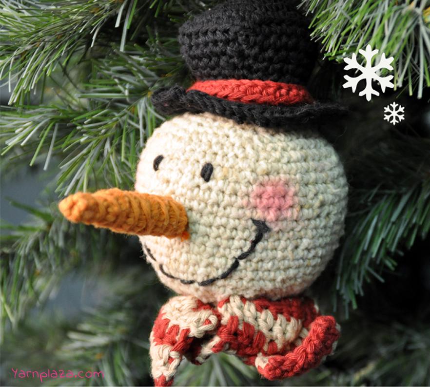 free crochet snowman with hat ornament pattern