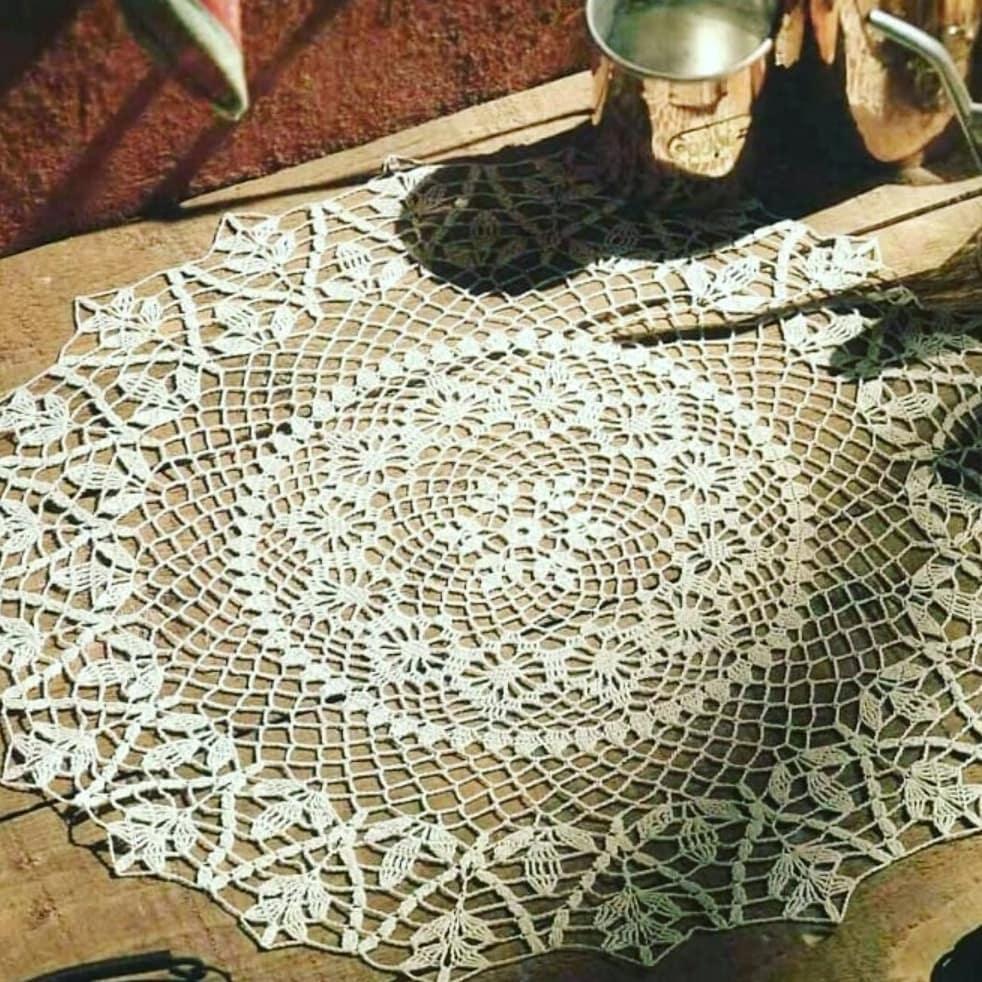 Circle doily free crochet pattern