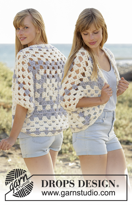 Crochet shoulder piece with dc-groups in granny square