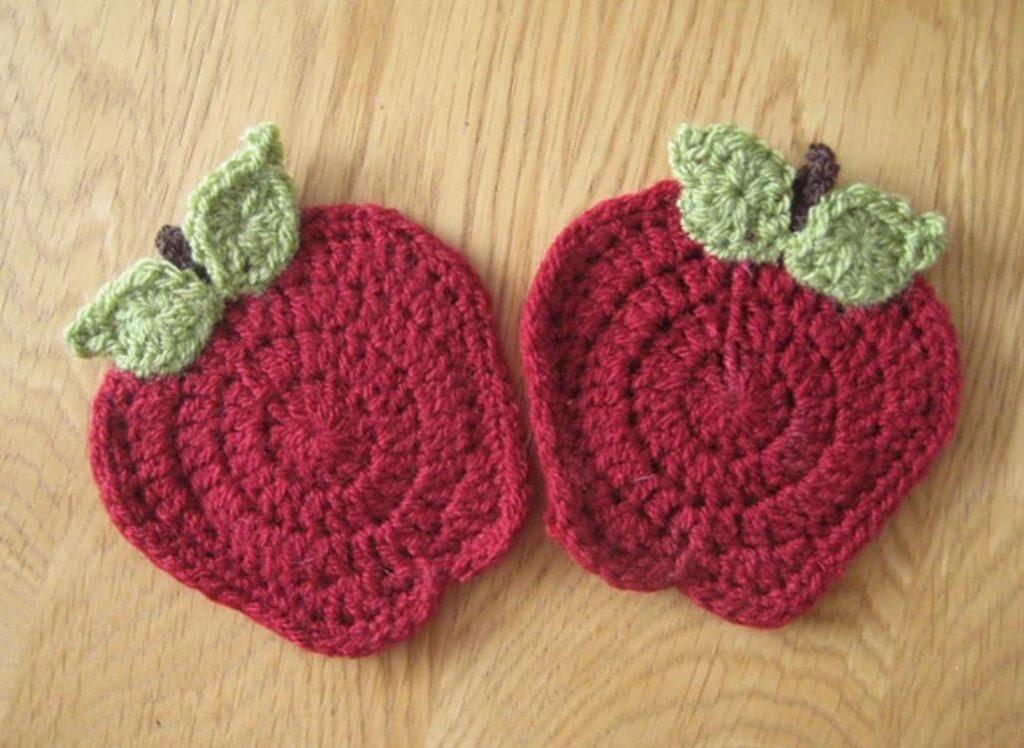 Free apple crochet coaster pattern