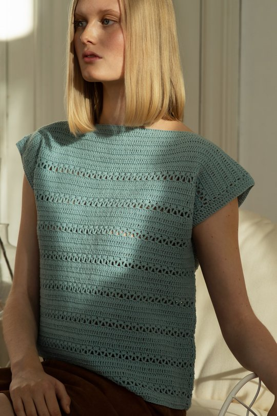 Free crochet pattern for a modern top