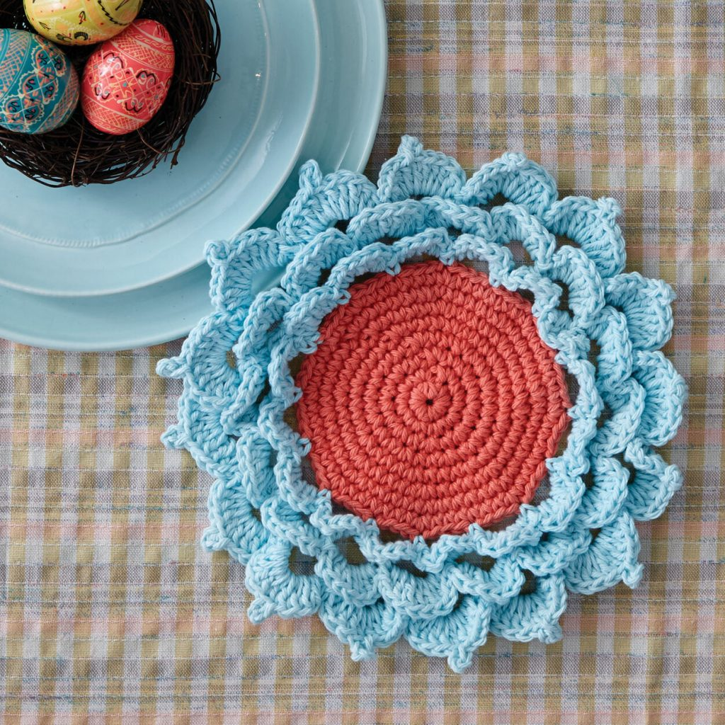 Spring is in the air with this fresh flower coaster