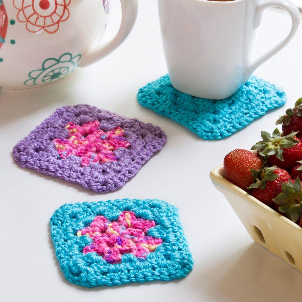 Very easy granny square crochet coasters free pattern
