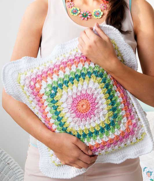 Crochet Diagrams for Decorative Pillows