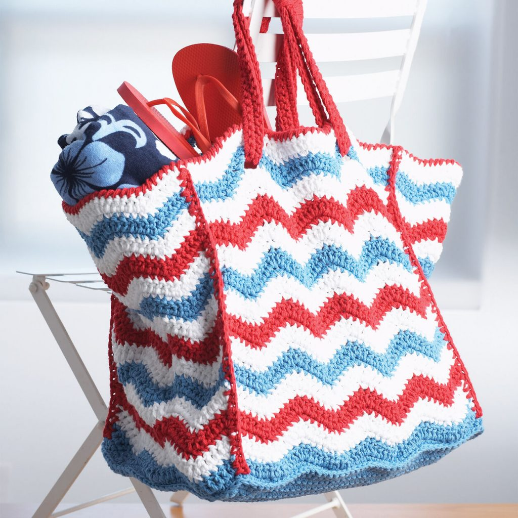 Large striped tote bag crochet pattern with a wavy stitch