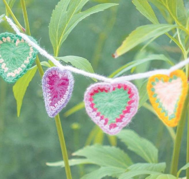 Small Heart Crochet Garland