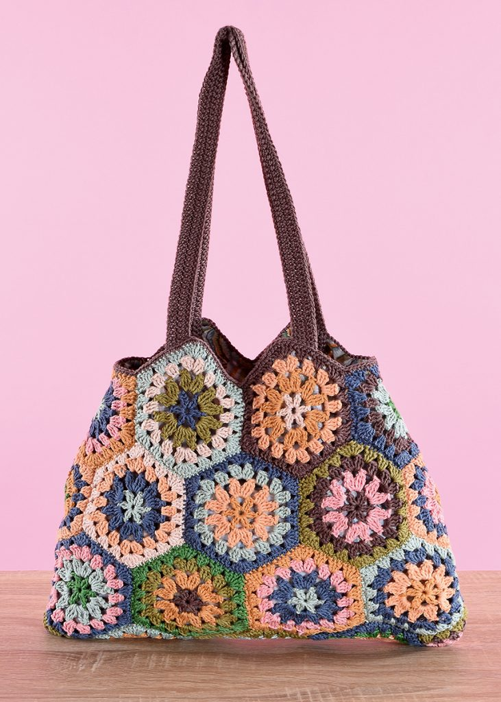 Cute hexagonal bag pattern, and easy and interesting free crochet tote pattern.