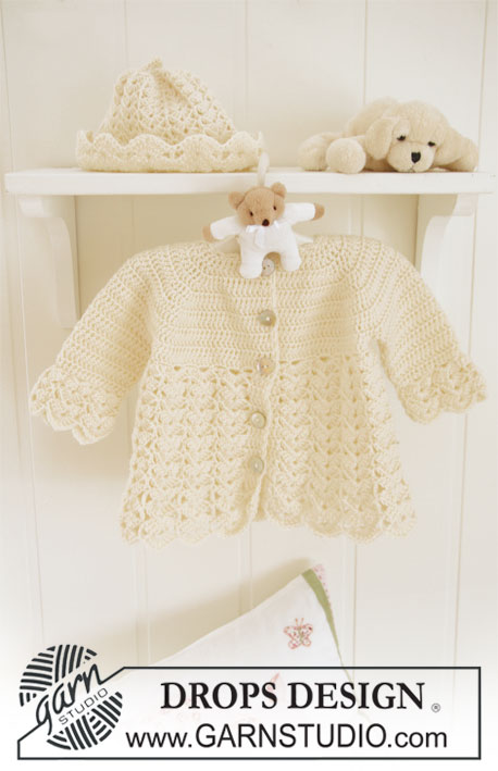 Set of crochet jacket with raglan, and hat with fan pattern for baby and children. Sizes in 1/3 - 6/9 - 12/18 months (2 - 3/4) years.