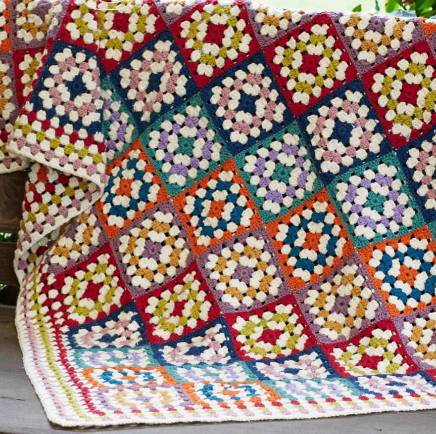Classic granny square free crochet pattern