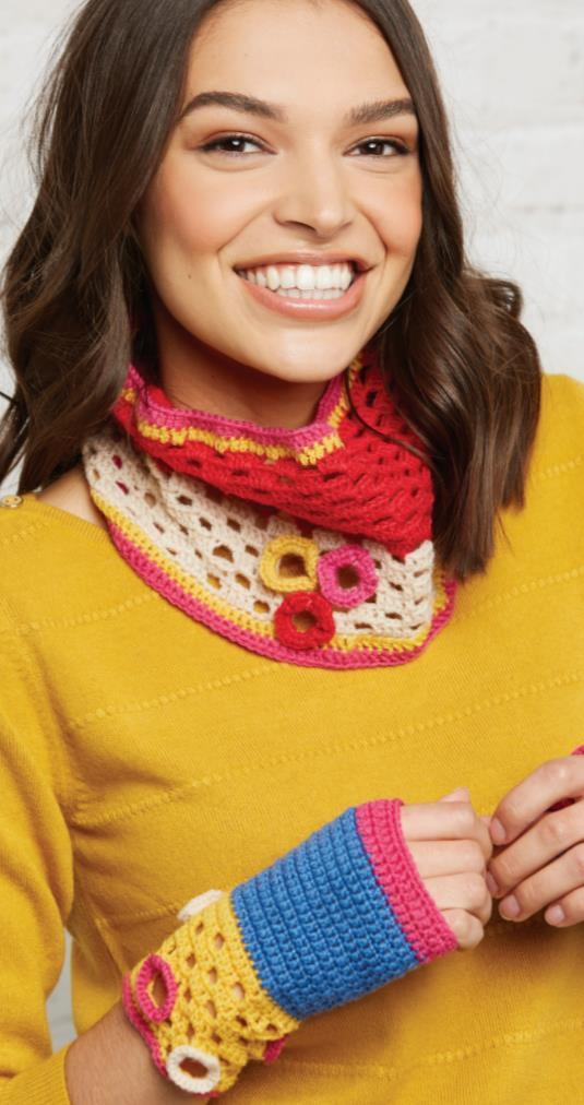 Free Crochet Pattern for a Cowl and Mitts Set