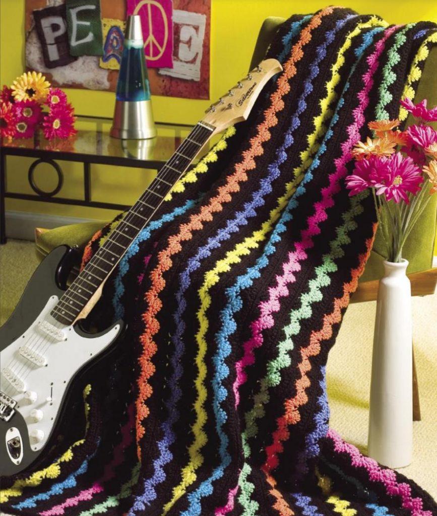 Wavy retro free crochet afghan pattern