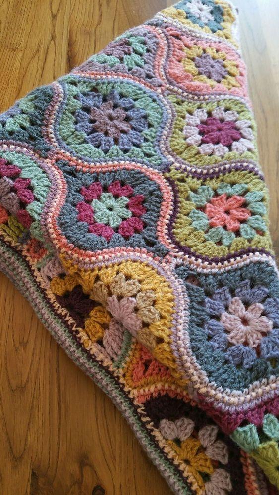 Bauble Shaped Crochet Motif Blanket.