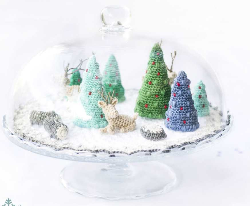 Christmas microworld free crochet patterns for mini trees and reindeer