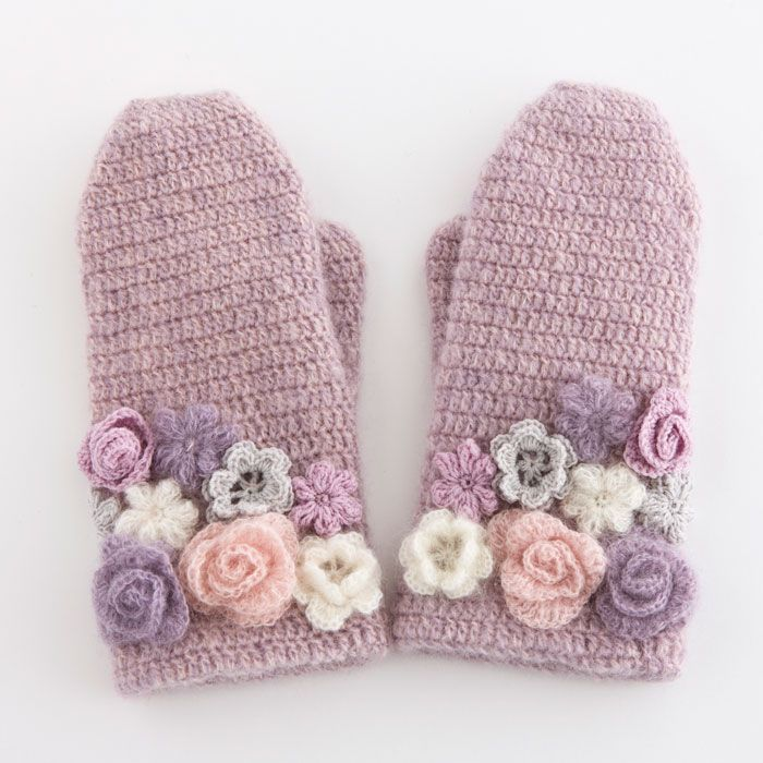 Ideas to crochet mitts with flowers