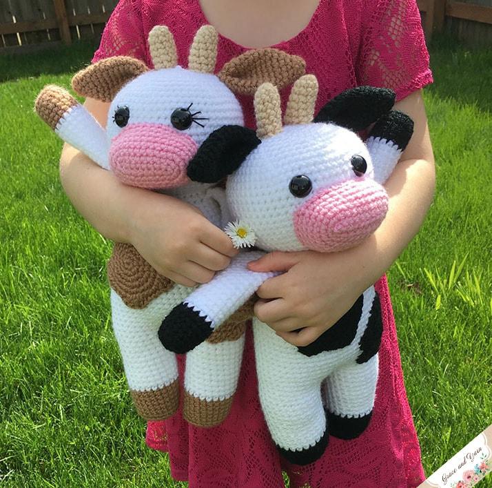 Free crochet pattern for an amigurumi cow
