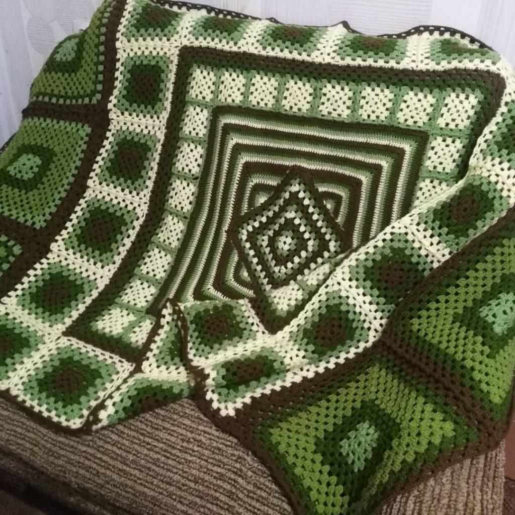 Green Granny square blanket idea